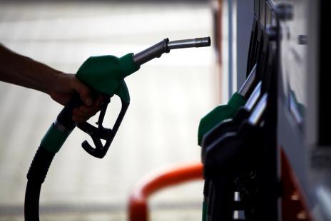 Com preços menores aos produtores, queda nas cotações do etanol não chegam no mesmo patamar às bombas