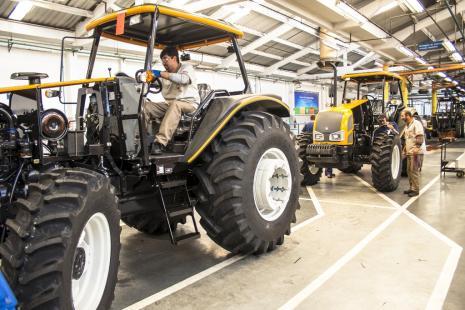 Expectativa de baixo rendimento impacta vendas de máquinas agrícolas nos EUA