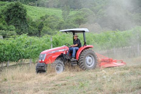 Trator 5075.4 Compact Agrale - Crédito:Julio Soares (2)